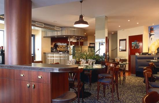 Agencement de café hôtel restaurant